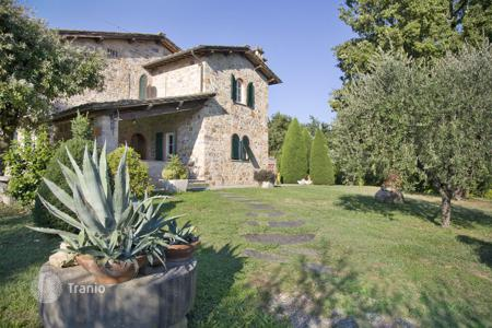 4 bedroom villas and houses to rent in Capannori. Villa - Capannori, Tuscany, Italy