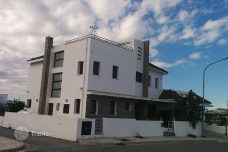 5 bedroom houses for sale in Livadia. Five Bedroom Luxury Detached House