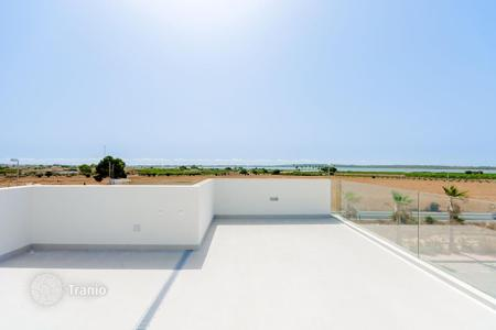 3 bedroom houses for sale in Costa Blanca. Ciudad Quesada, individual villas of new construction with built up area of 115m 2 and from 201m 2 plot