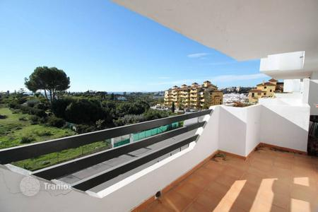 Cheap apartments for sale in Estepona. Middle Floor Apartment, Costa del Sol, Selwo, 2 bedrooms