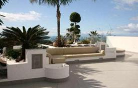 Luxury houses for sale in Canary Islands. Villa – Chayofa, Canary Islands, Spain