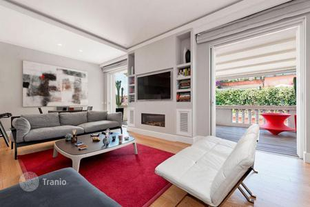 Luxury penthouses for sale in Rome. Attic with a terrace and a modern and enchanting design