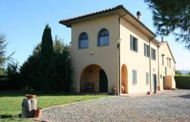 Houses for sale in Livorno. Traditional villa with a large plot and a sea view in Bibbona, Tuscany, Italy