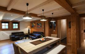 3 bedroom houses for sale in French Alps. Apartment in a Chalet — Odier