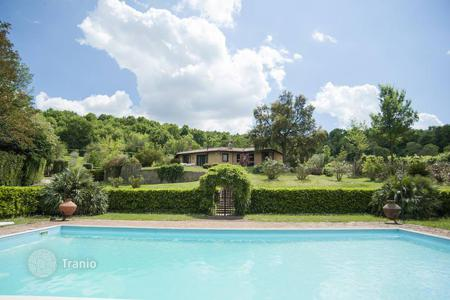 5 bedroom houses for sale in Italy. Beautiful villa of 380 square meters, located in Campagnano di Roma