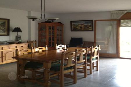 4 bedroom houses by the sea for sale in Costa Dorada. House Costa Dorada