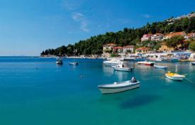 Coastal residential for sale in Rabac. Apartment in Rabac