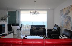 Apartments with pools for sale in Israel. Apartment in Netanya in luxury project