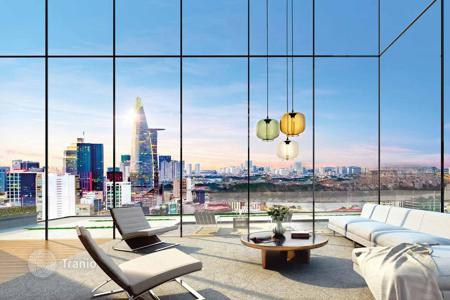Cheap residential for sale in Southeast Asia. New apartment in Ho Chi Minh, Vietnam. Flat with city and river views, in a residence with restaurants and a pool. High rental potential!