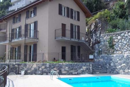 Residential for sale in Colonno. A new Residence in Colonno with pool and stunning lake and mountain views!