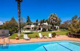 Residential for sale in Lagos. Classic 7 bedroom villa on large plot with sea views between Lagos and Luz, West Algarve