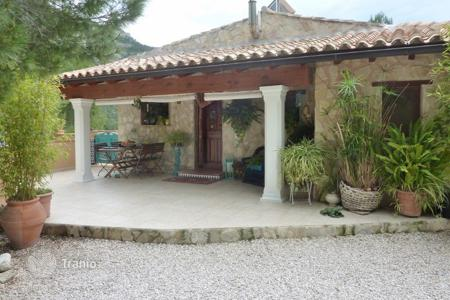 Houses for sale in Castell de Castells. 4 bedroom villa with private pool, 4300 m² plot and mountain views in Castell de Castells