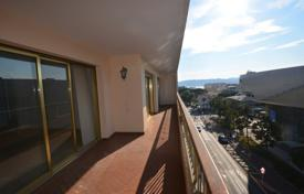 3 bedroom apartments for sale in Antibes. Large 3 bedroom apartment — Palais des Congrès