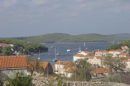 Development land for sale in Split-Dalmatia County. Land in Milna on island Brac