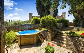 Villas and houses for rent with swimming pools in Montalcino. Villa – Montalcino, Tuscany, Italy
