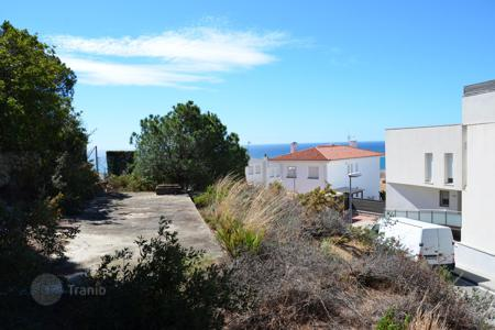Cheap land for sale in Catalonia. Two plots situated in Sant Pol de Mar
