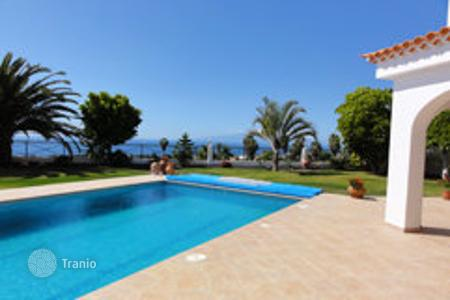 Luxury 4 bedroom houses for sale in Tenerife. Villa – Adeje, Canary Islands, Spain