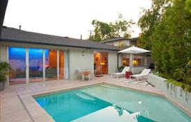 Los Feliz Luxury Poolside Getaway. Los Angeles for 5,000 $ per week