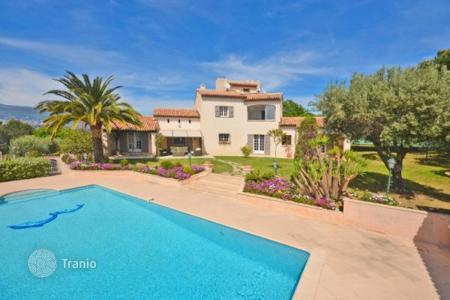 Residential for sale in Pégomas. Villa – Pégomas, Côte d'Azur (French Riviera), France