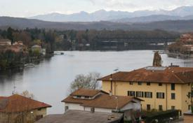 Coastal apartments for sale in Sesto Calende. Apartment – Sesto Calende, Lombardy, Italy