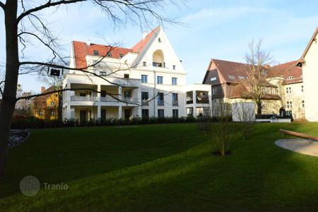 2 bedroom apartments from developers for sale in Germany. 2-bedroom apartment with a balcony and a hobby room in a new residence in the prestigious area Dahlem, near the Botanical Garden, in Berlin