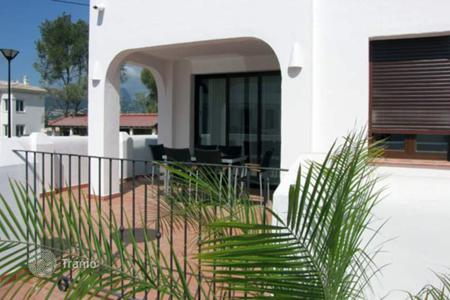 Townhouses for sale in Calpe. New 2 bedroom townhouses with big terraces in Calpe