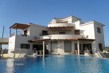Luxury houses with pools for sale in Pissouri. Three Bedroom Detached Villa