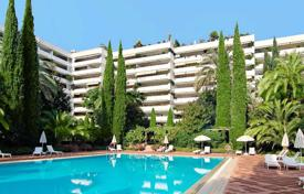Luxury 5 bedroom apartments for sale in Andalusia. Huge apartment in unbeatable location