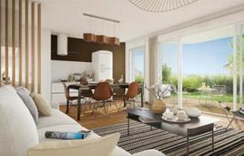 Residential for sale in Gironde. Modern apartment with a terrace and a garden, on the ground floor of a new residence, 5 minutes drive from the Town Hall of Bordeaux, France