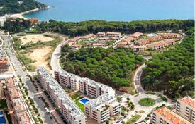 1 bedroom apartments by the sea for sale in Costa Brava. One bedroom apartment in a new residential complex with pool and parking near the sea in Lloret de Mar, Costa Brava