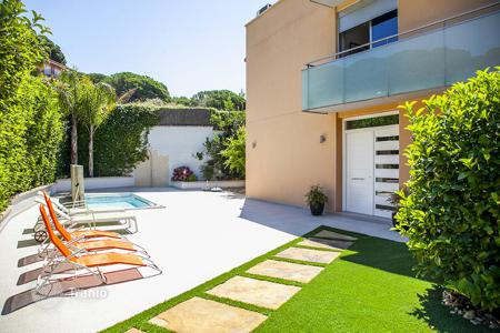 6 bedroom houses by the sea for sale in Spain. Townhome – Sant Pol de Mar, Catalonia, Spain