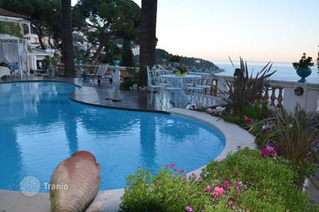 Houses with pools for sale in Roquebrune - Cap Martin. Lovely villa in France