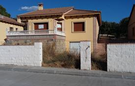 3 bedroom houses for sale in Castille and Leon. Villa – Ávila‎, Castille and Leon, Spain