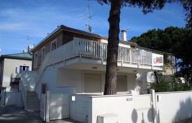Apartments for sale in Tuscany. Apartment – Forte dei Marmi, Tuscany, Italy