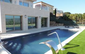 Houses with pools by the sea for sale in Sant Antoni de Calonge. A truly sensational villa unique in this area, finished to exquisite standards