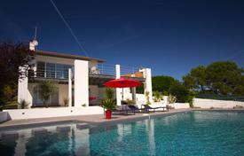 Villas and houses by the sea for rent with swimming pools in Aquitaine. Vue de la Chaine
