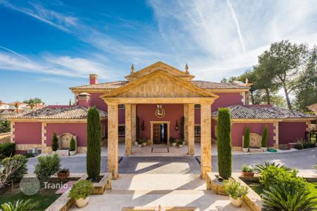 6 bedroom houses for sale in Malaga. Luxorious mansion in Sierra Blanca, Golden Mile