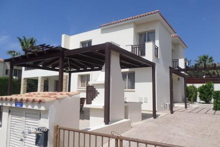5 bedroom houses for sale in Peyia. 5 Bed Detached Villa with Amazing Roof Terrace Peyia
