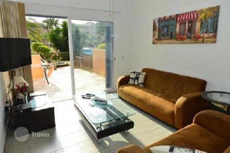 2 bedroom apartments for sale in Paphos. Furnished apartment with a garden, Paphos, Cyprus