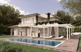 Luxury 3 bedroom houses for sale in Forte dei Marmi. Three-storey villa with pool and garden a kilometer from the sea, in Forte dei Marmi, Tuscany, Italy