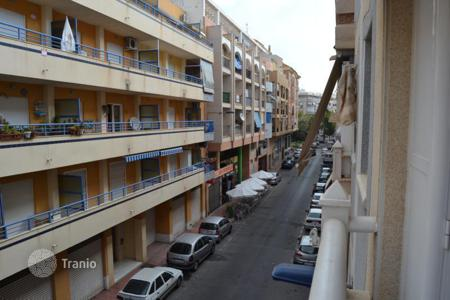 2 bedroom apartments by the sea for sale in Costa Blanca. Cosy apartment just 200 meters to the beach, Torrevieja, Spain