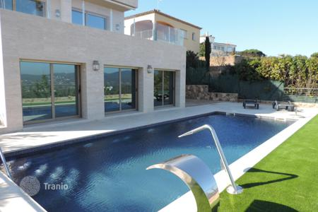 Luxury houses for sale in Sant Antoni de Calonge. A truly sensational villa unique in this area, finished to exquisite standards