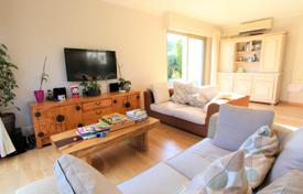 3 bedroom houses for sale in Antibes. For sale Villa Antibes