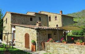 Property for sale in Arezzo. Renovated stone villa with a pool in Cortona, Tuscany, Italy