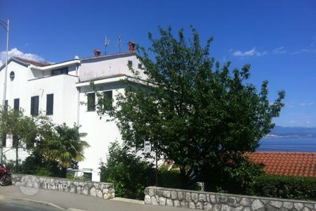Coastal property for sale in Primorje-Gorski Kotar County. Luxury apartment in Opatija