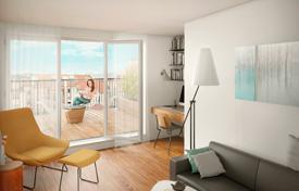 New homes for sale in Praha 6. Two bedroom apartment with balcony in a historic building next to the park, Bubeneč, Prague — 6, Czech Republic