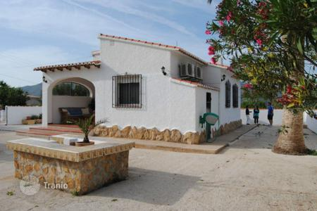 Cheap houses for sale in Jalón. Villa of 2 bedrooms with garden and BBQ area in Jalón/ Xaló