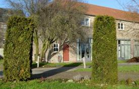 Residential for sale in North Rhine-Westphalia. Townhome – North Rhine-Westphalia, Germany