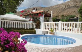 Residential for sale in El Fondó de les Neus. Villa with a pool and two terraces, La Solana, Spain