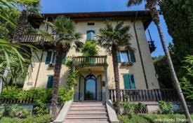 Luxury houses with pools for sale in Veneto. Villa – Torri del Benaco, Verona, Veneto,  Italy